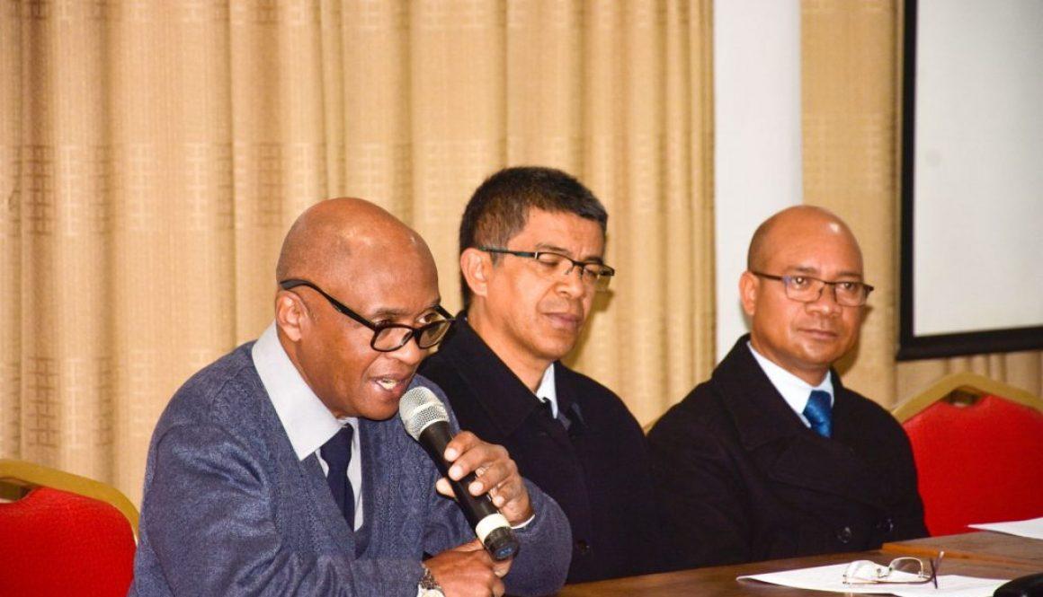 MADAGASCAR LEMURS PORTAL : APPRENDRE ET PROTEGER LES LEMURIENS AVEC LES COMMUNAUTES
